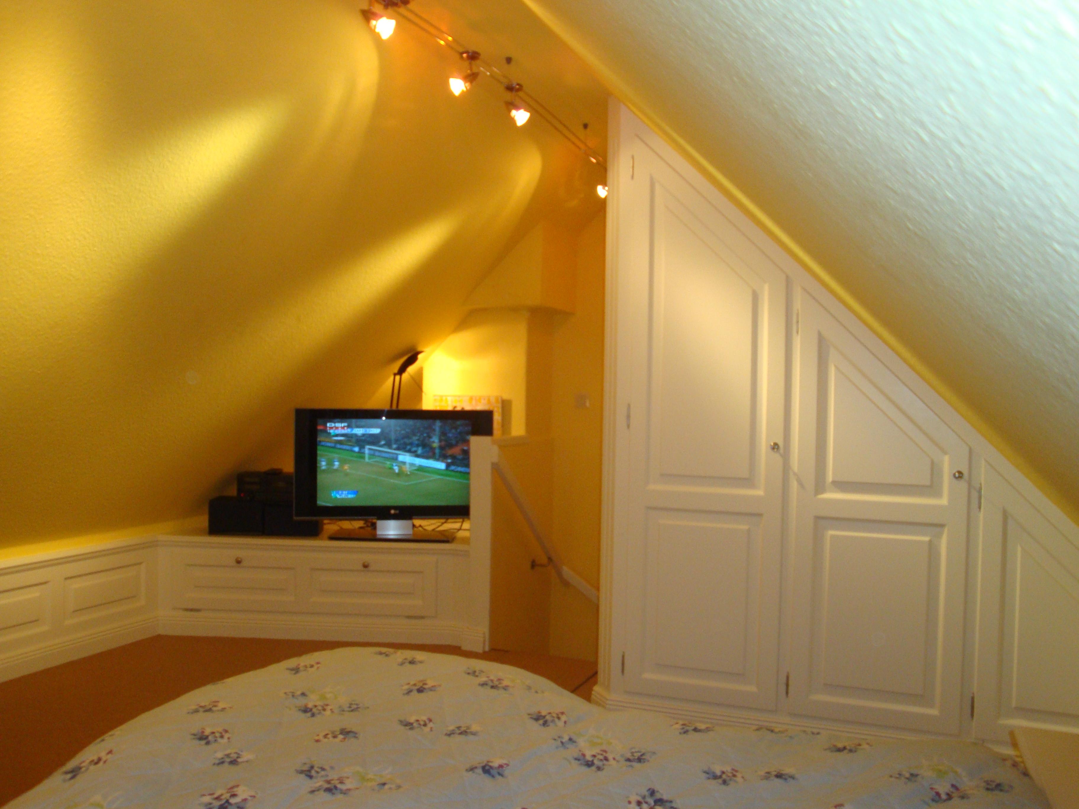 dachgeschoss kinderfreundliches ferienhaus auf sylt haus finkenkoje. Black Bedroom Furniture Sets. Home Design Ideas